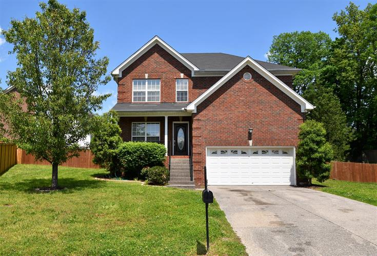 103 Hazelwood Ct, Hendersonville, TN 37075