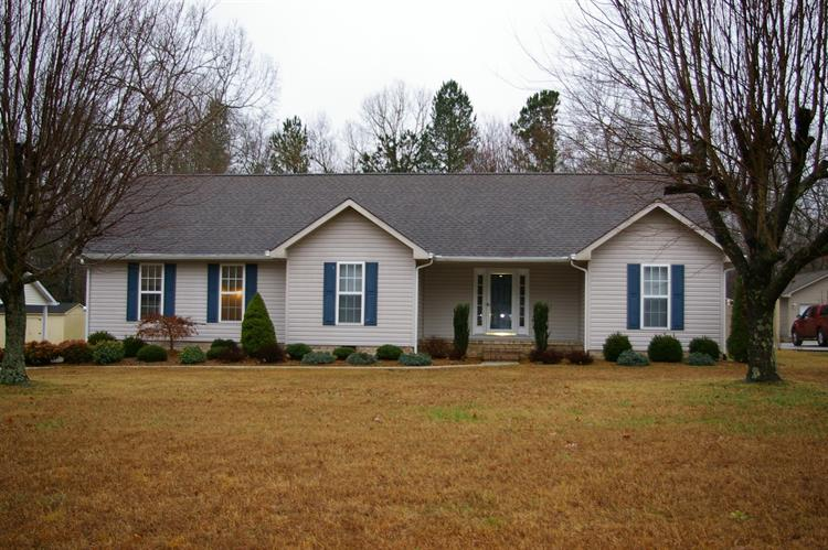 70 Maple Ave, Tullahoma, TN 37388 - Image 1
