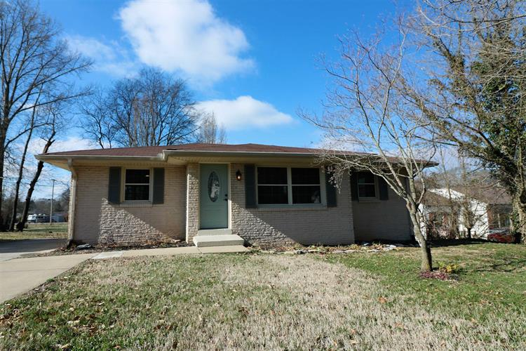 320 Patterson Dr, Gallatin, TN 37066 - Image 1