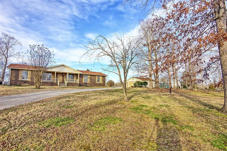 140 Contrary Rd, Burns, TN 37029 - Image 1