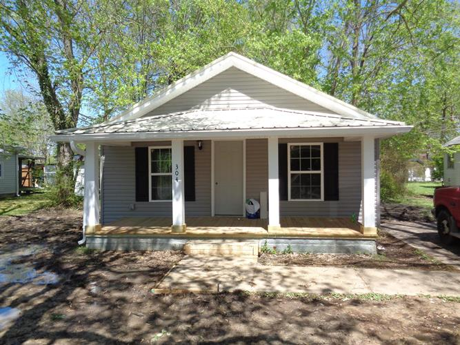 304 N Anderson St, Tullahoma, TN 37388 - Image 1