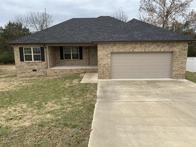302 Shelby Cir, Shelbyville, TN 37160 - Image 1