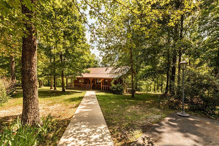 122 Emerald Dr, Hohenwald, TN 38462 - Image 1