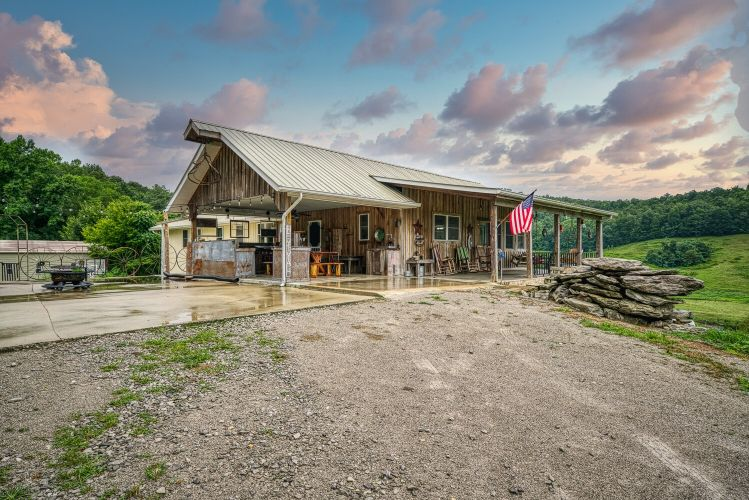 1271 Old County Farm Rd, Spencer, TN 38585 - Image 1