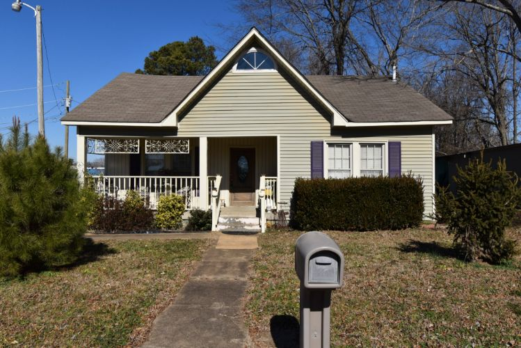 91 E 2nd St, Parsons, TN 38363 - Image 1