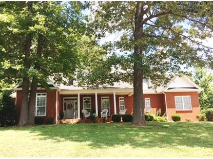 1102 Rustling Oaks Dr, Pleasant View, TN