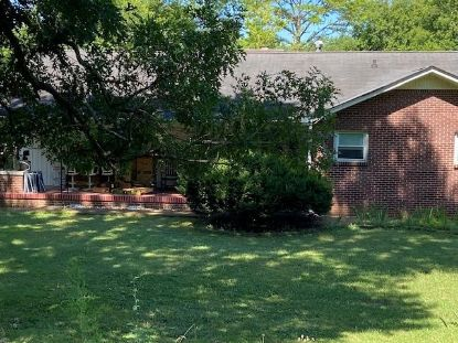 403 Oakwood Dr  Columbia, TN MLS# 2178056