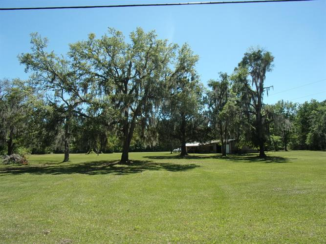 829 HUNTER RD, Hollister, FL 32147 - Image 1