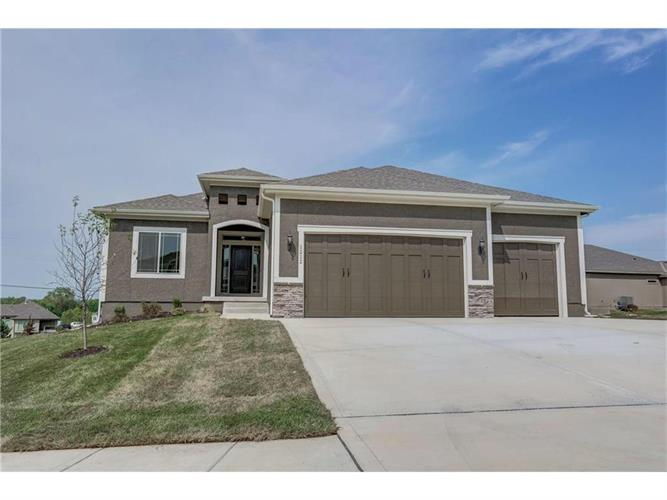 1212 Cothran Court, Raymore, MO 64083
