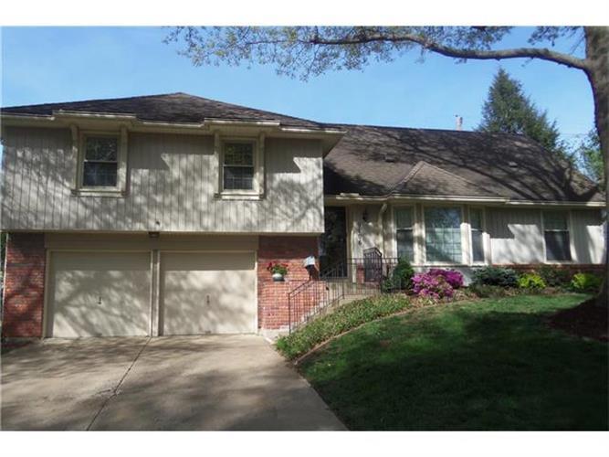 9106 W 81st Terrace, Overland Park KS 66204, MLS # 2041392 ...