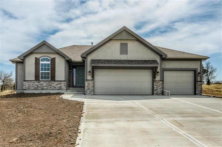 21301 W 190 Terrace, Spring Hill, KS 66083