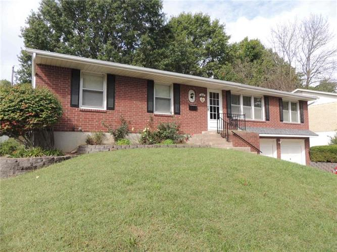 3608 S Hocker Street, Independence, MO 64055