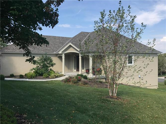 10138 S Shadow Circle, Olathe, KS 66061
