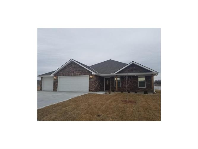 106 NW Lindsey Lane, Grain Valley, MO 64029