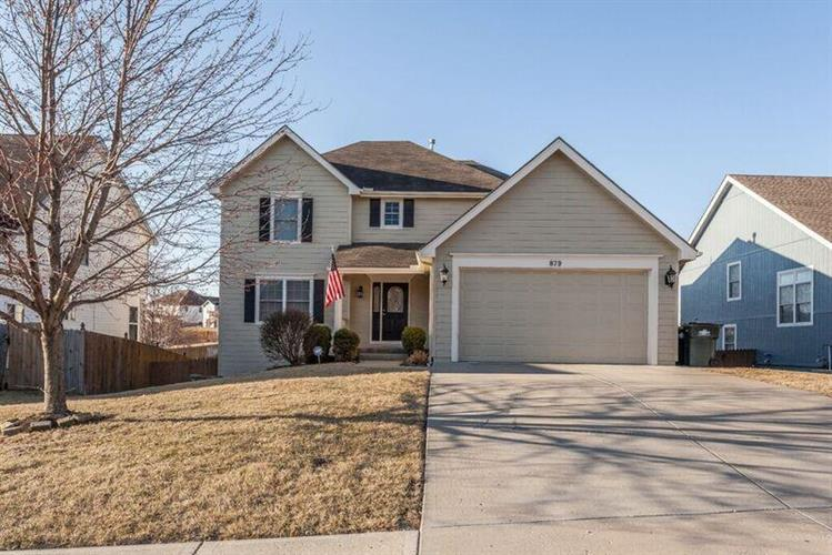 879 Holiday Drive, Lansing, KS 66043