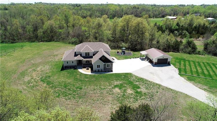 24907 E Twin Pines Drive, Harrisonville, MO 64701