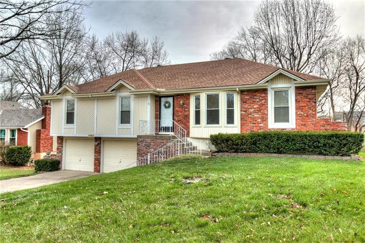 7901 N Garfield Avenue, Kansas City, MO 64118