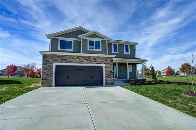 602 SW Whitetail Drive, Oak Grove, MO 64075