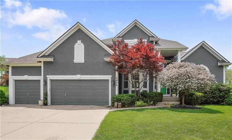 2609 SW Winterview Circle, Lees Summit, MO 64081