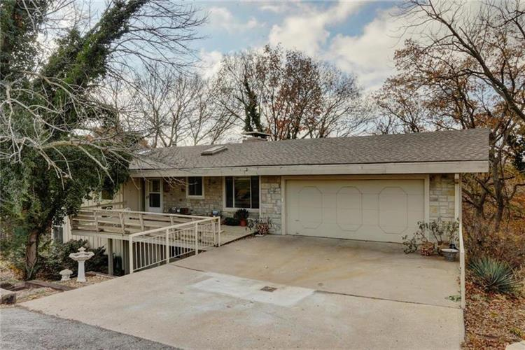 258 Arapahoe East Street, Lake Quivira, KS 66217
