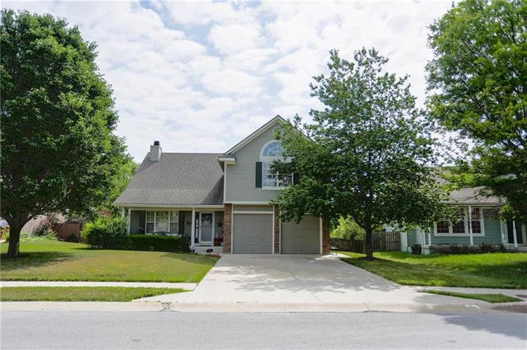 701 S Old Paint Road, Raymore, MO 64083