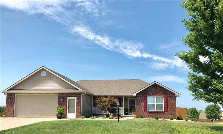502 Natalee Lane, Gower, MO 64454