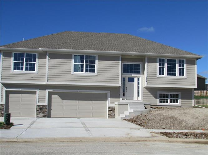 506 Buck Court, Kearney, MO 64060
