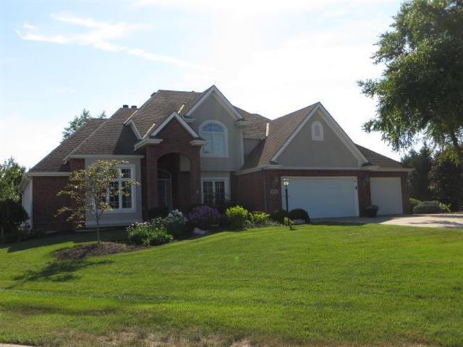 4702 Lakeridge Court, Saint Joseph, MO 64506