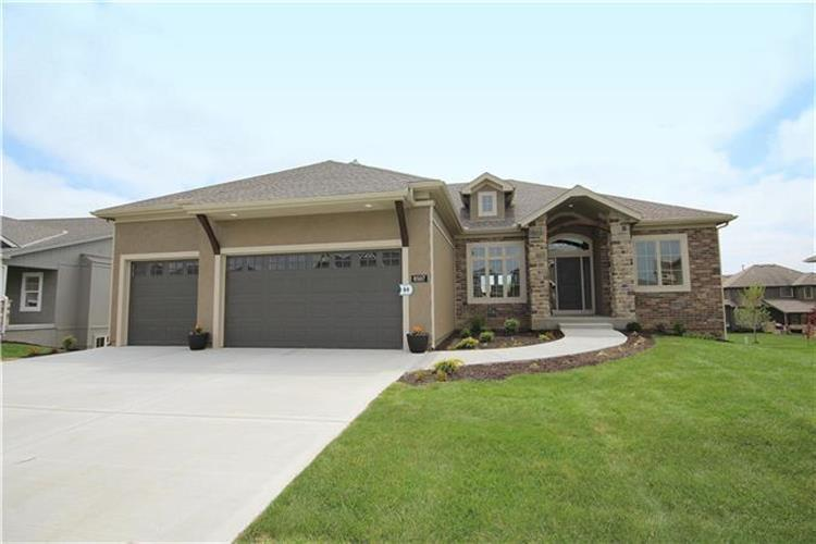 5980 S National Drive, Parkville, MO 64152 - Image 1