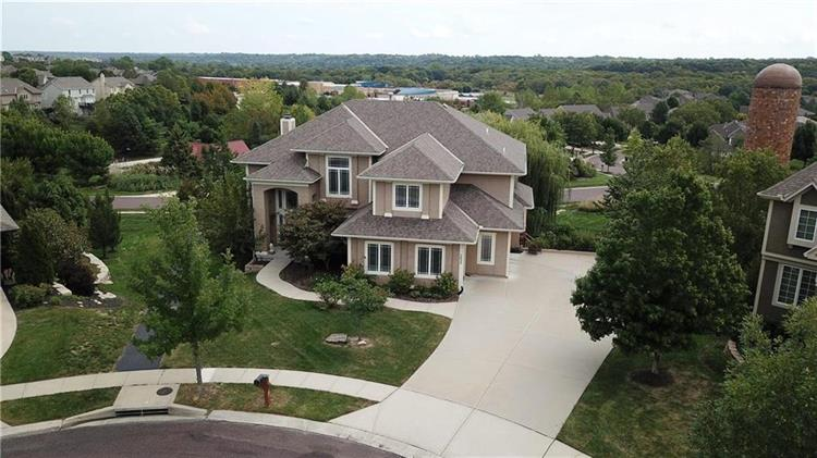 5422 W 164TH Place, Overland Park, KS 66085 - Image 1