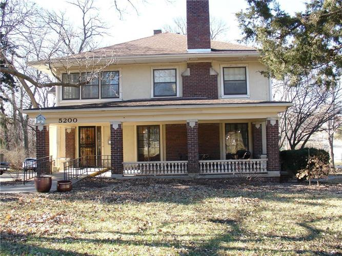 5200 Oak Street, Kansas City, MO 64112 - Image 1