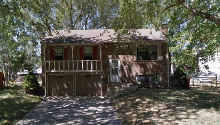 805 NW Buckingham Place, Blue Springs, MO 64015 - Image 1