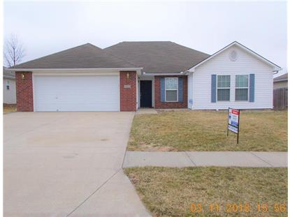 422 SW Graystone Drive, Grain Valley, MO