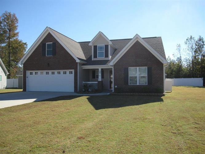 108 Falcon Landing Court, New Bern, NC 28560