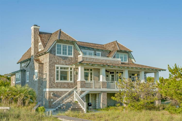 4 Dunedin Court, Bald Head Island, NC 28461