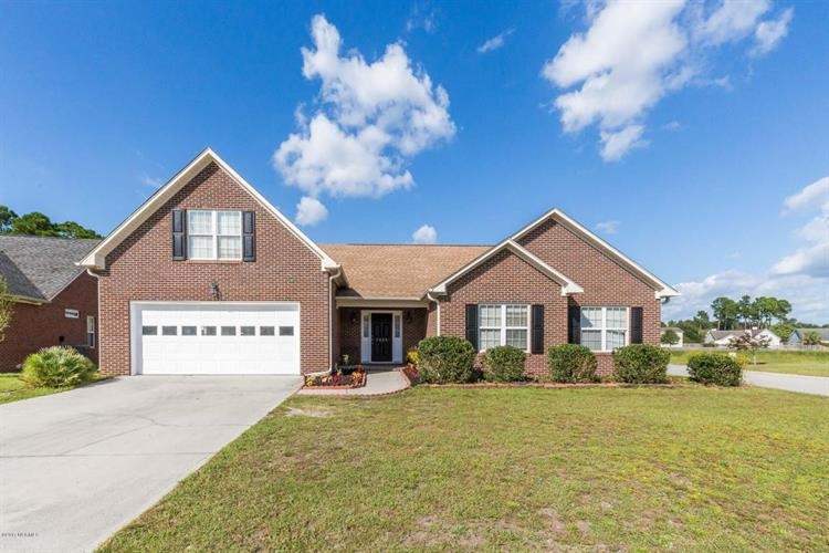 7029 Brittany Lakes Drive, Wilmington, NC 28411