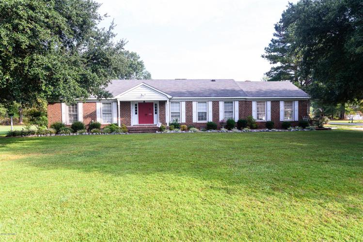 3728 Stuart Circle, Farmville, NC 27828