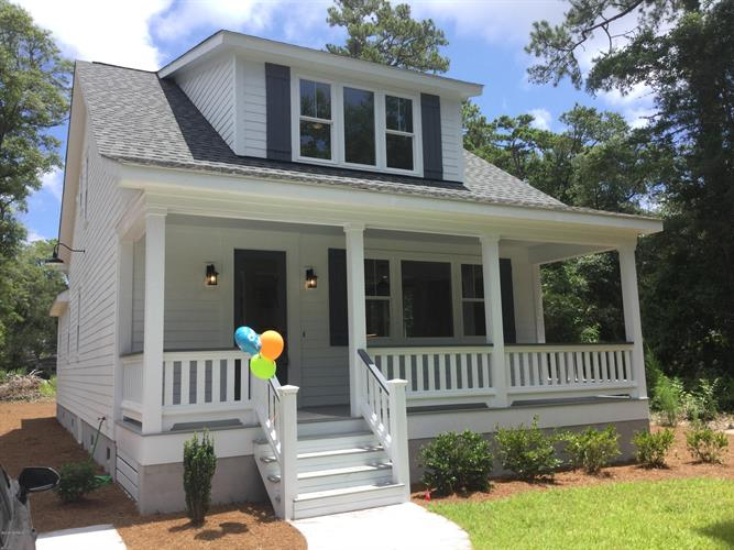 1108 N Caswell Avenue, Southport, NC 28461 - Image 1