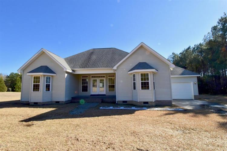 447 Apple Blossom Drive, Rocky Point, NC 28457