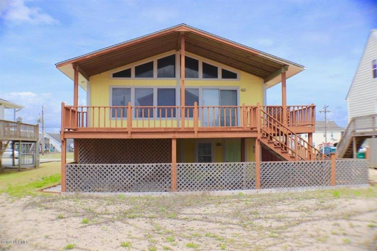 1820 N New River Drive, Surf City, NC 28445