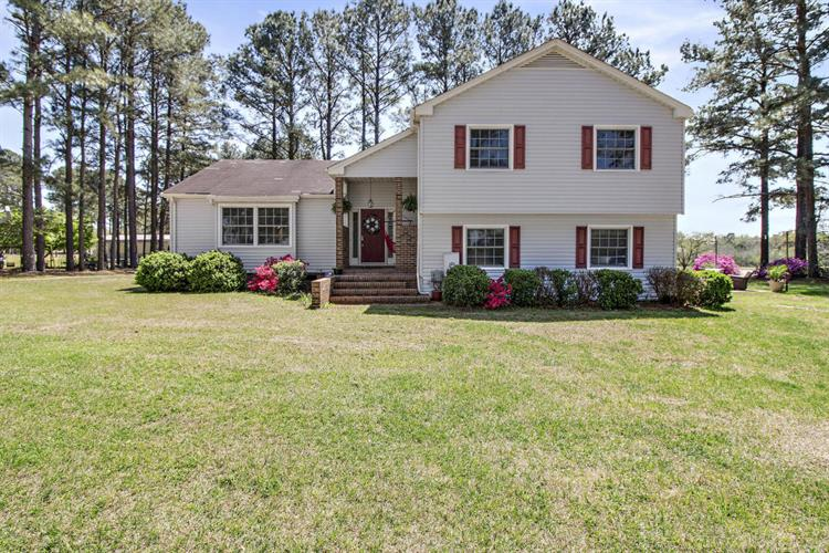 3573 Fountaintown Road, Chinquapin, NC 28521