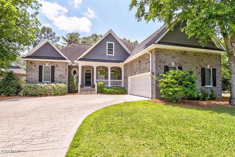8127 Wade Hampton Court, Wilmington, NC 28411