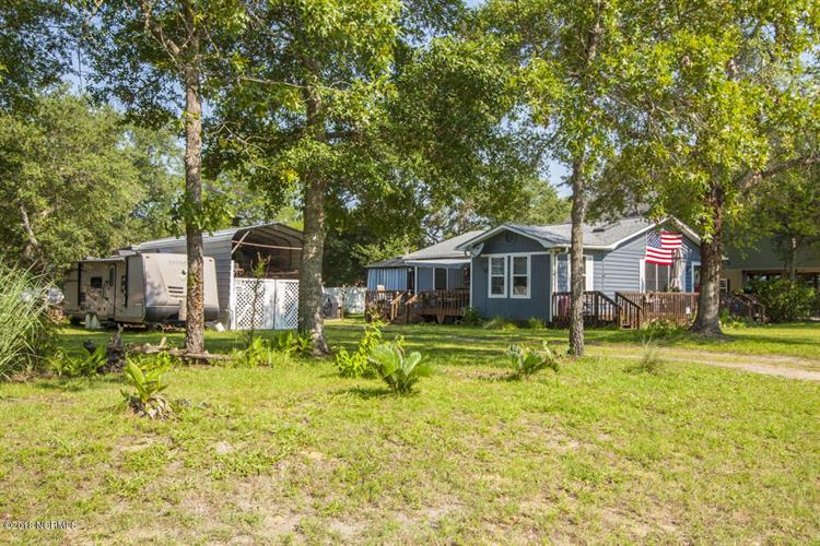 211 NE 55th Street, Oak Island, NC 28465