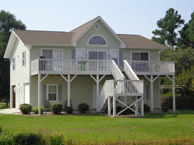 330 Cape Lookout Loop, Emerald Isle, NC 28594