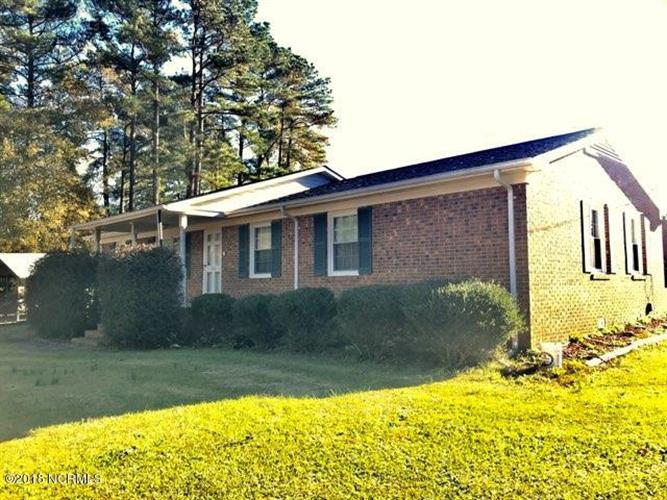 300 Pineview Road, Clinton, NC 28328 - Image 1