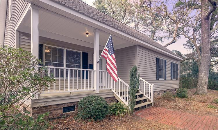 313 E Brown Street, Southport, NC 28461 - Image 1