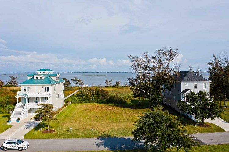 743 Cannonsgate Drive, Newport, NC 28570 - Image 1