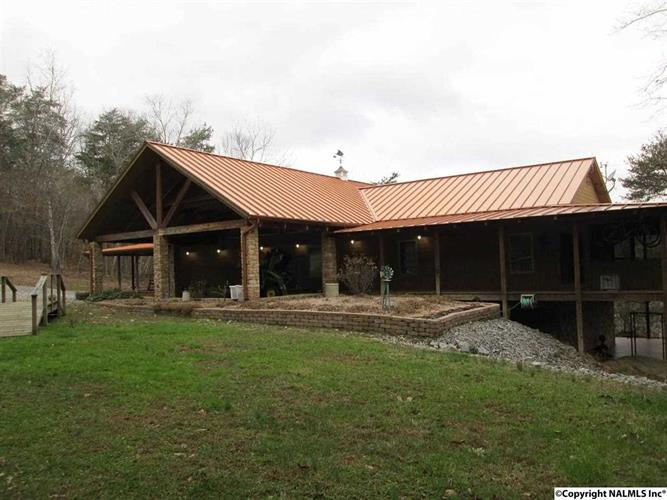 3809 COUNTY ROAD 275, Fort Payne, AL 35967