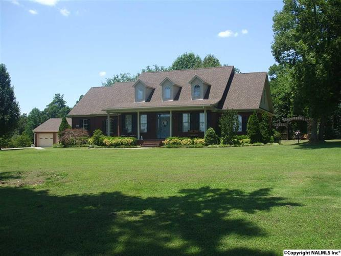298 J B WALKER ROAD, New Market, AL 35761