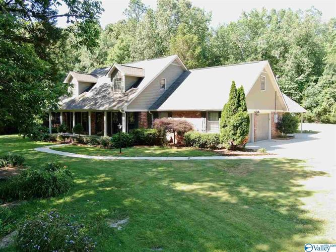 1201 SW VESTAVIA DRIVE, Decatur, AL 35603 - Image 1